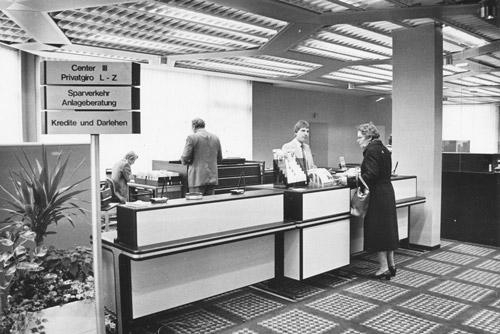 Kundenhalle in den 80er Jahren